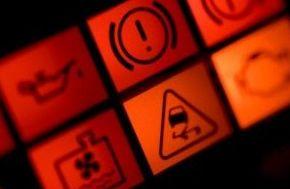 Avisos en tu coche ¿Que significan?