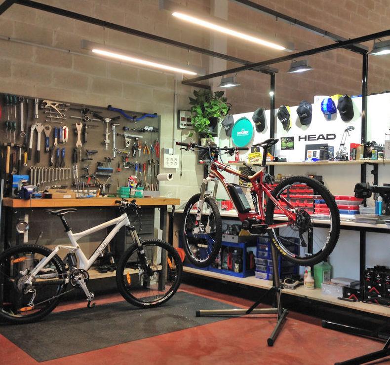 Taller de reparación de bicicletas