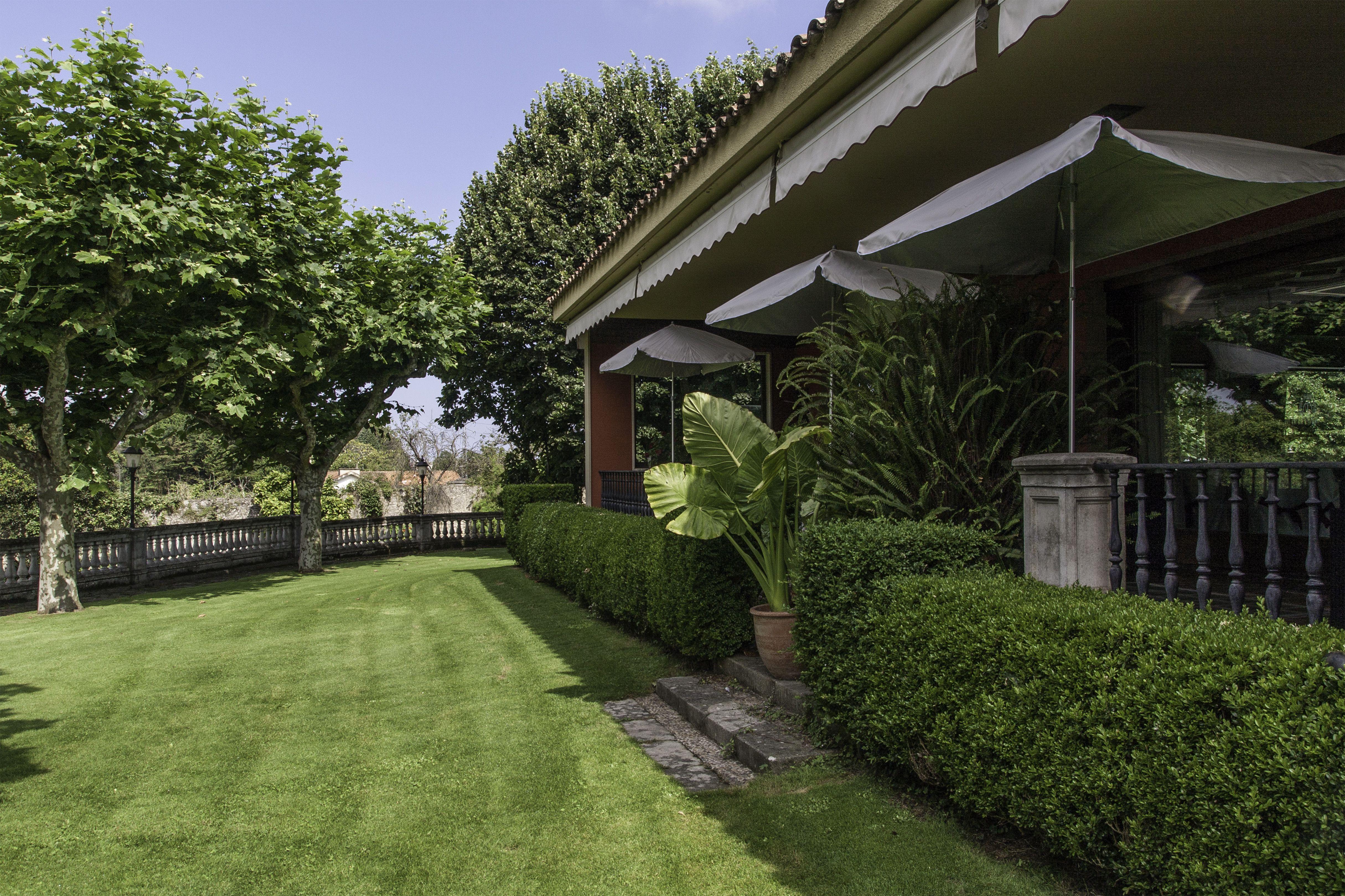 Jardín porche EL DUQUE