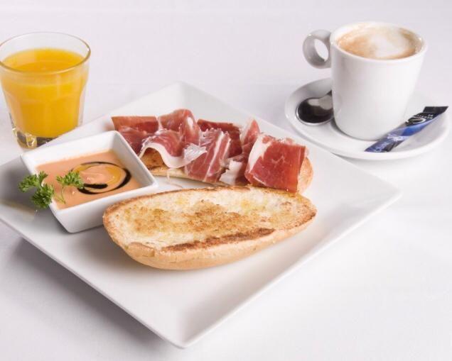 Menús, tostas, montaditos, raciones Salamanca