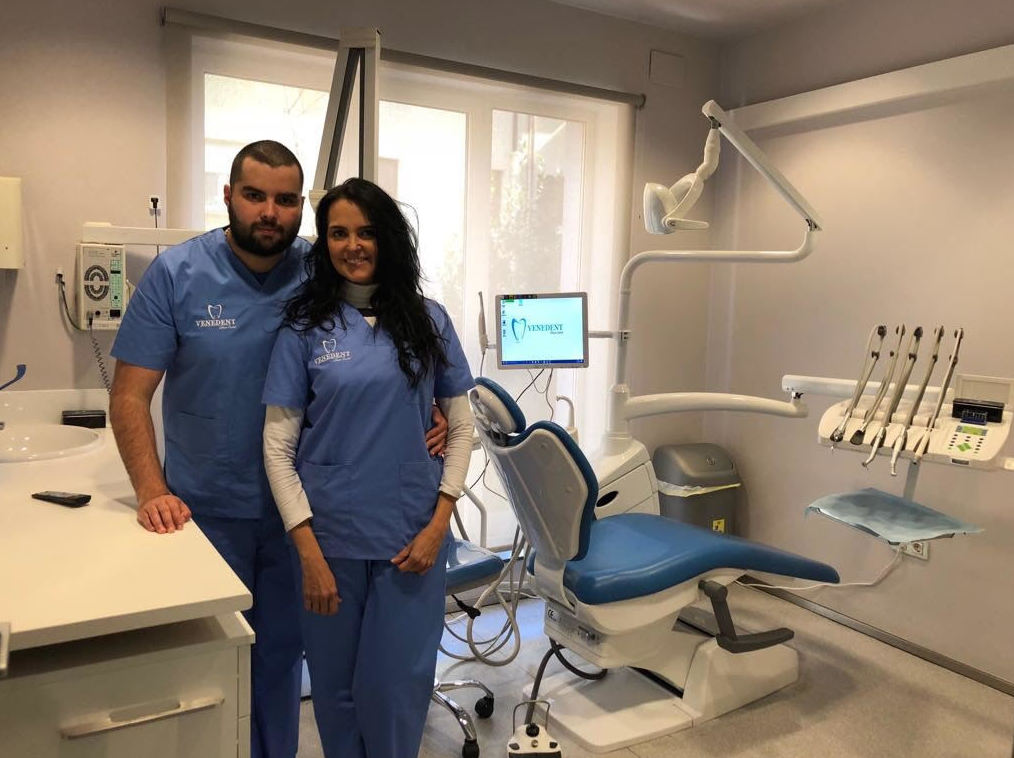 Foto 36 de Expertos en implantes dentales en  | Clínica Dental Venedent