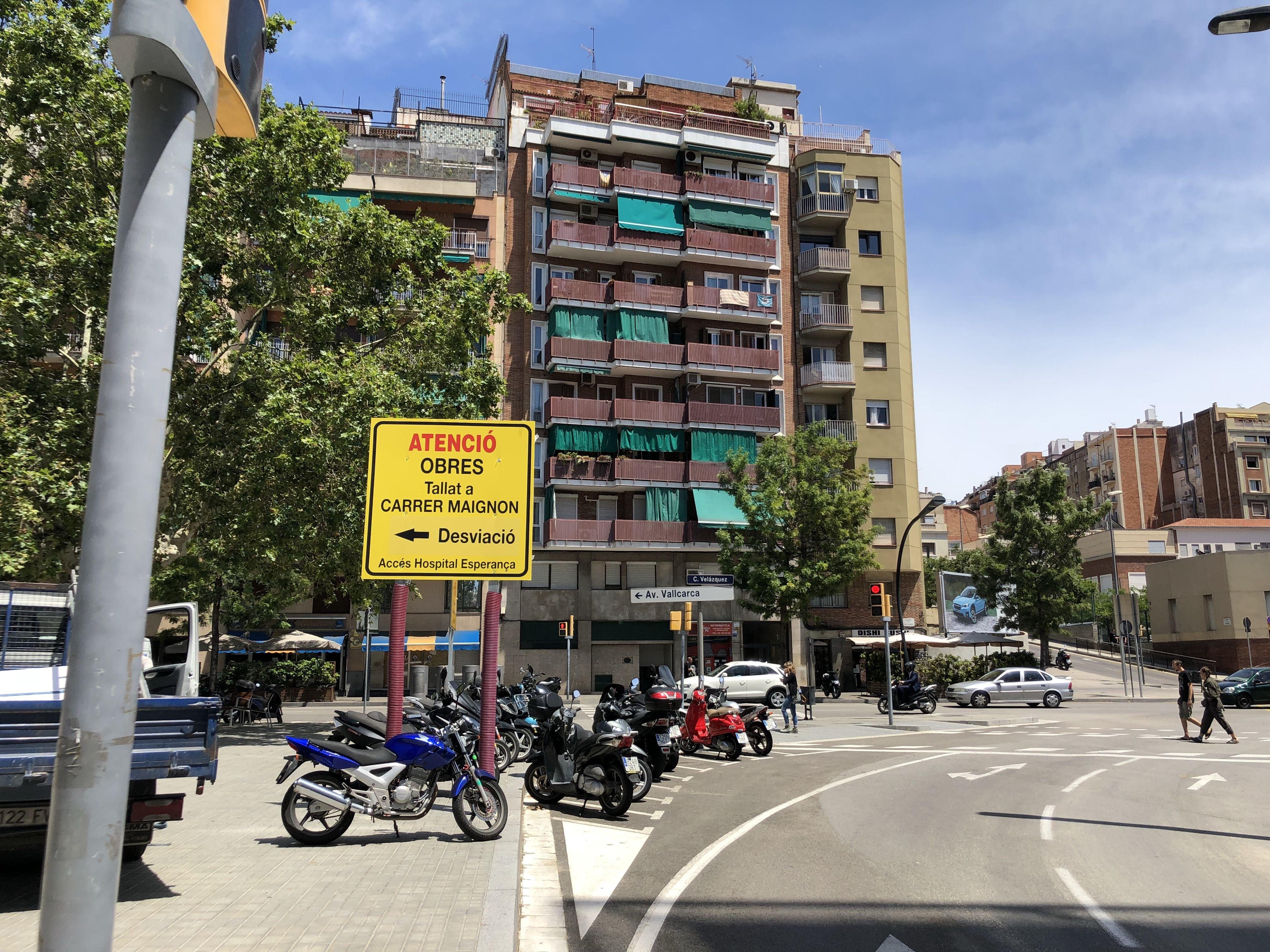 Publicidad en soportes verticales en Catalluña