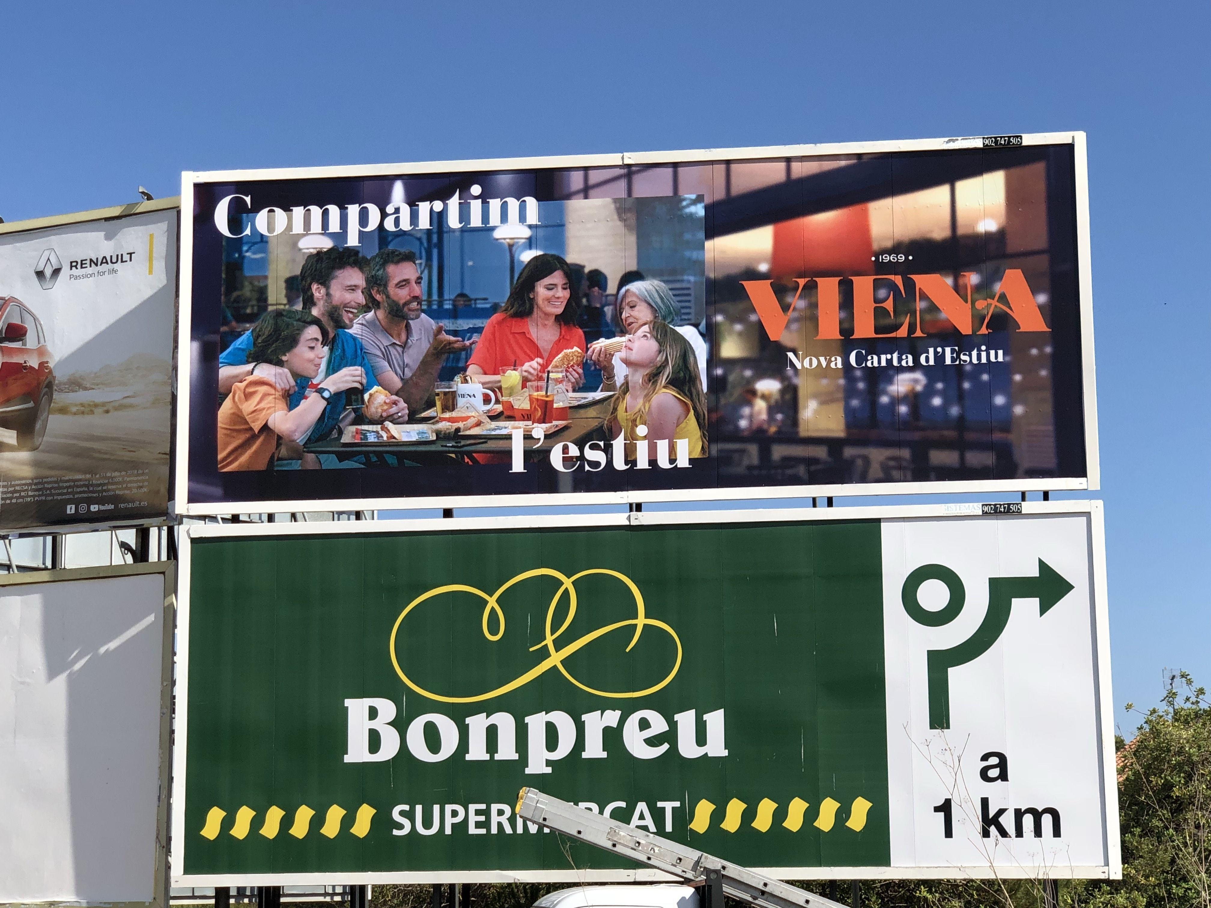 Soportes para publicidad estática vertical en Catalluña