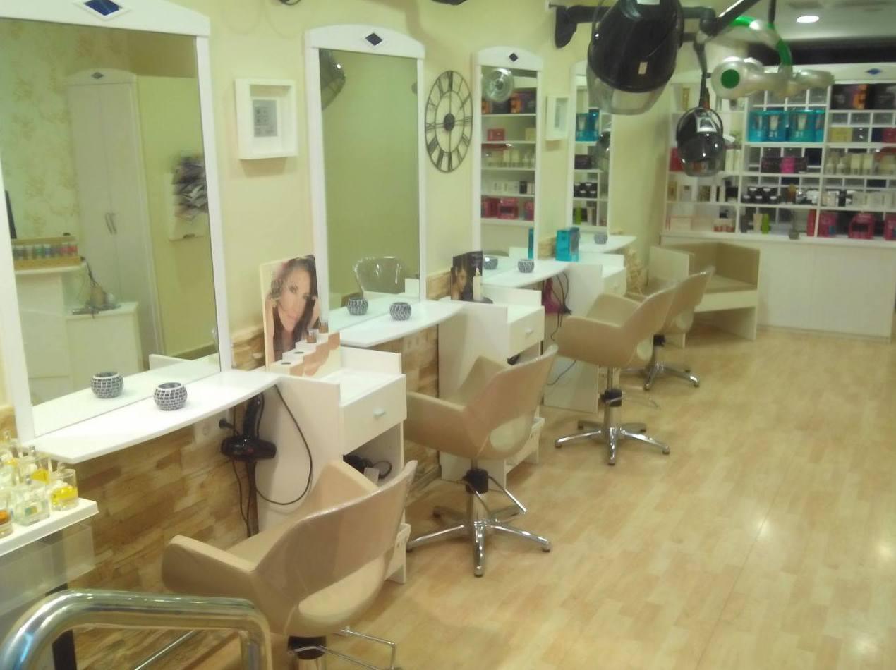 Salón de la peluquería Tupés