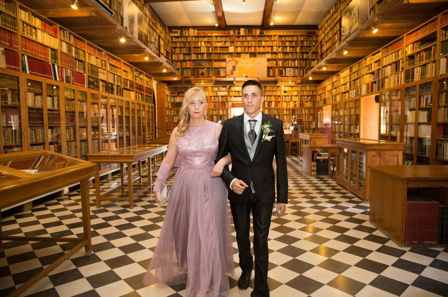 Trajes y vestidos de boda