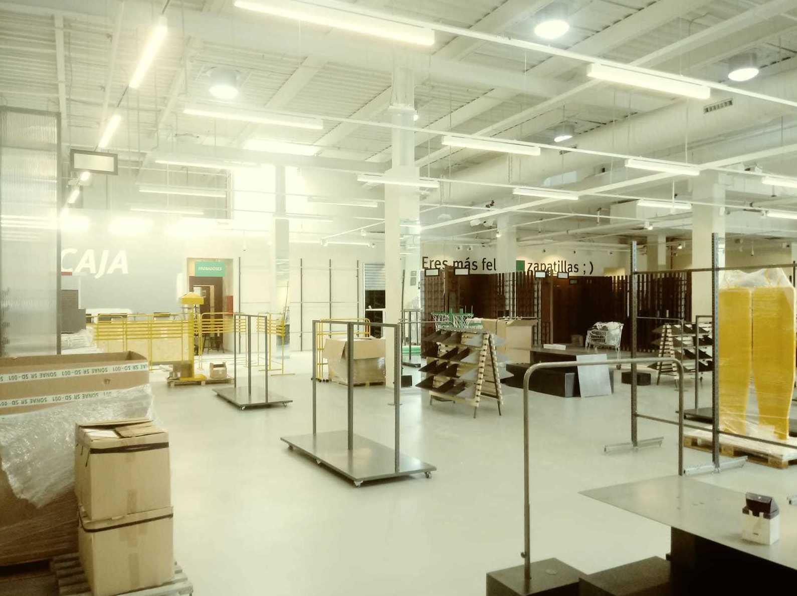 Realización tienda Sprinter Lorca (Murcia) y Roquetas (Almeria). 050