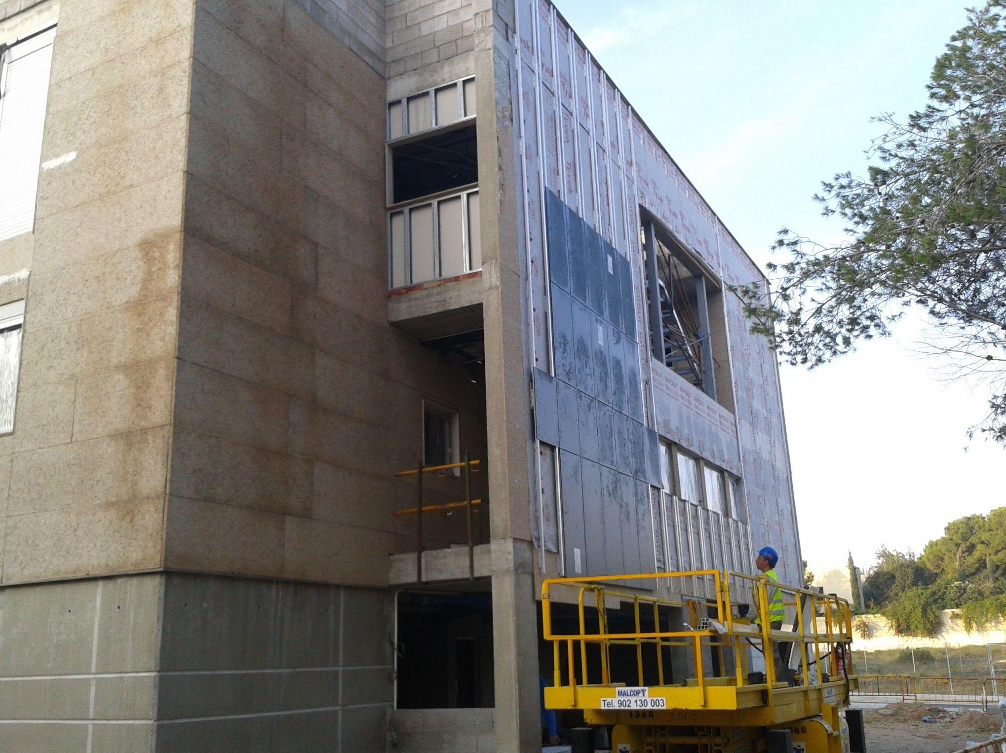 Cerramientos exteriores de obra seca. Fase 2 - Panelado exterior e interior de la estructura