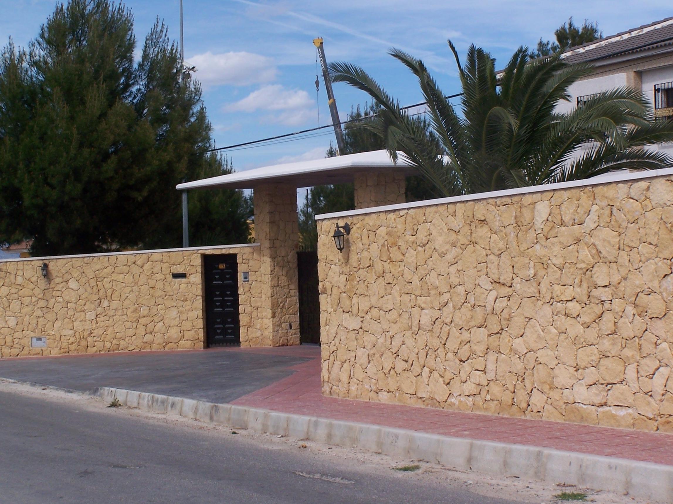 Fachada en Piedra de la Nucia