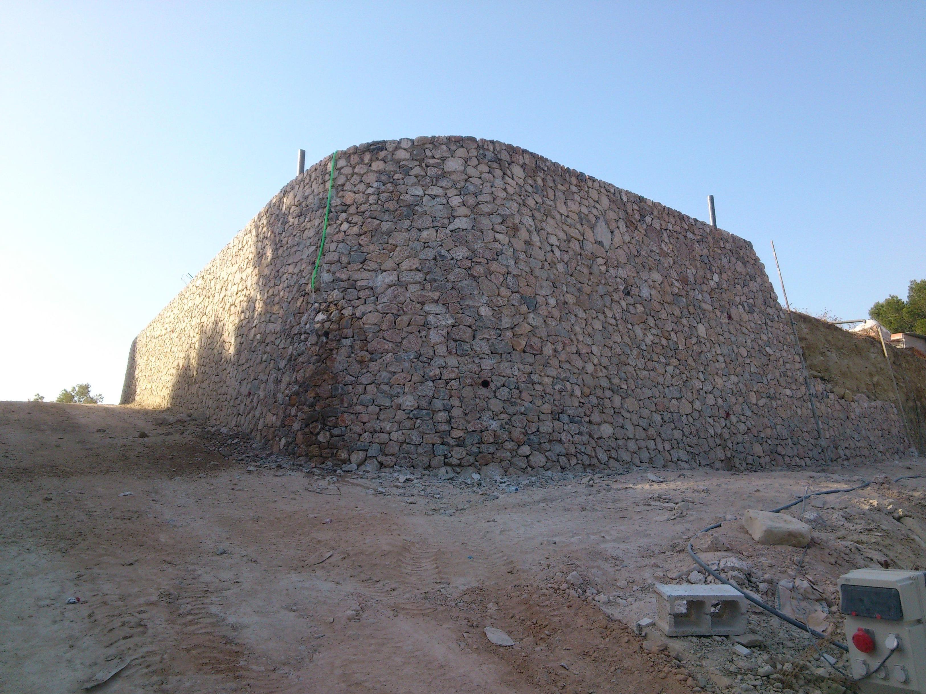 Mamposteria ripiada en piedra viva de Santomera