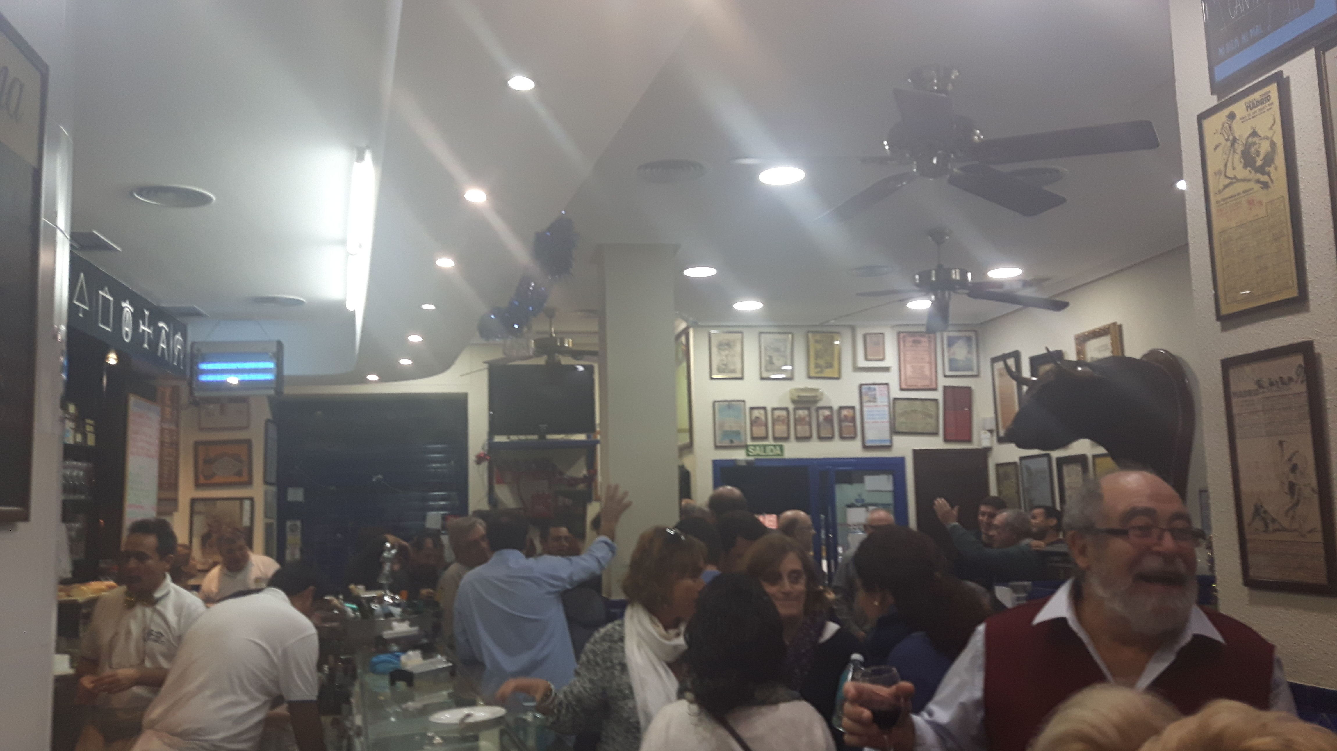 Foto 23 de Bares en Madrid | Bar Morales El Atómico