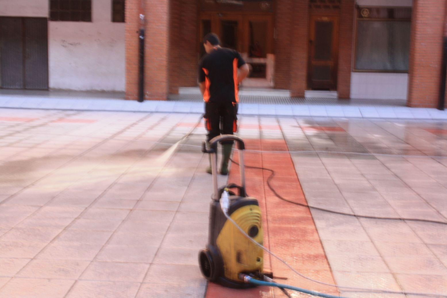 Limpieza de terrazas: Servicios de Limpiezas Alfama, S.L.