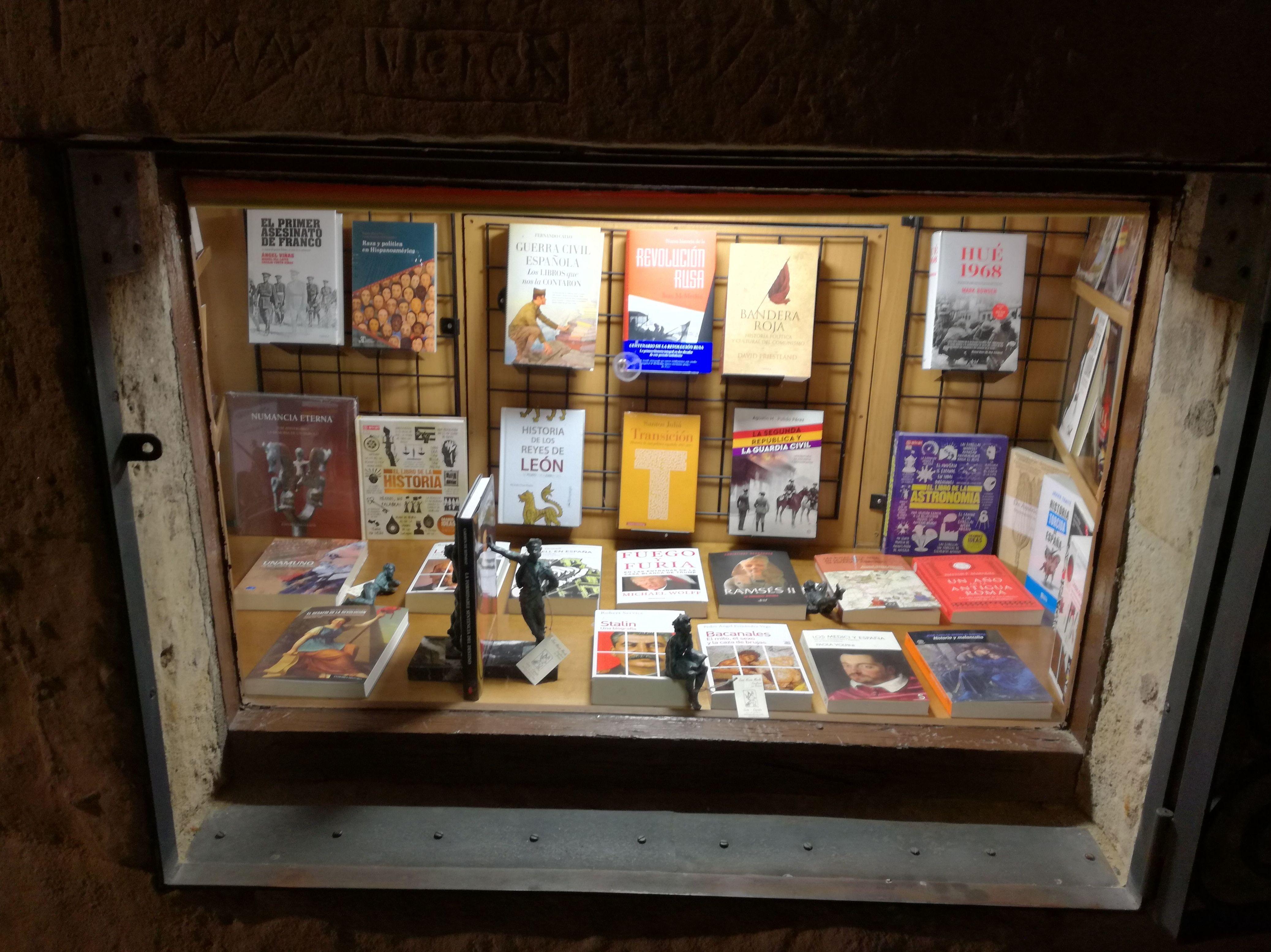 Foto 2 de Librerías en Salamanca | Librería Nueva Plaza Universitaria