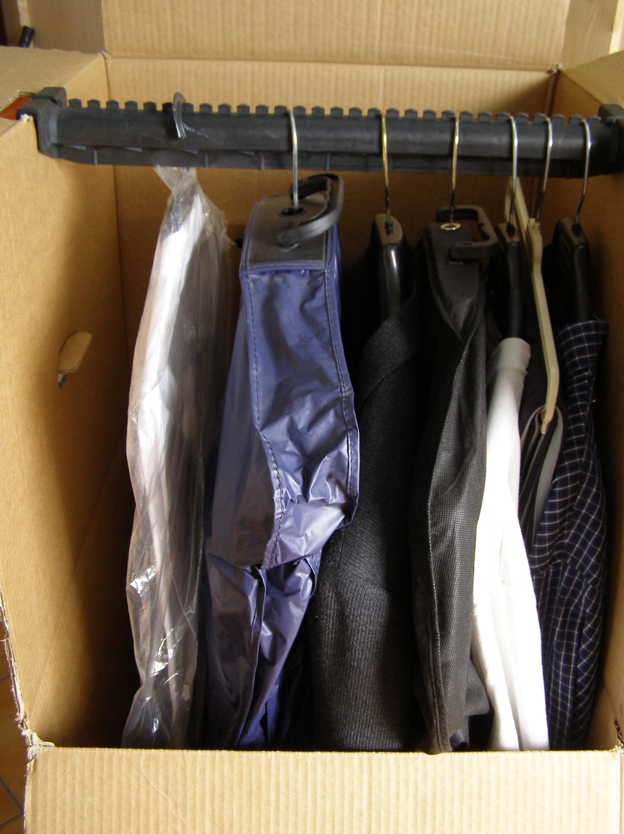 armarios colgar ropa mudanzas