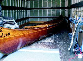 traslado de una canoa antigua