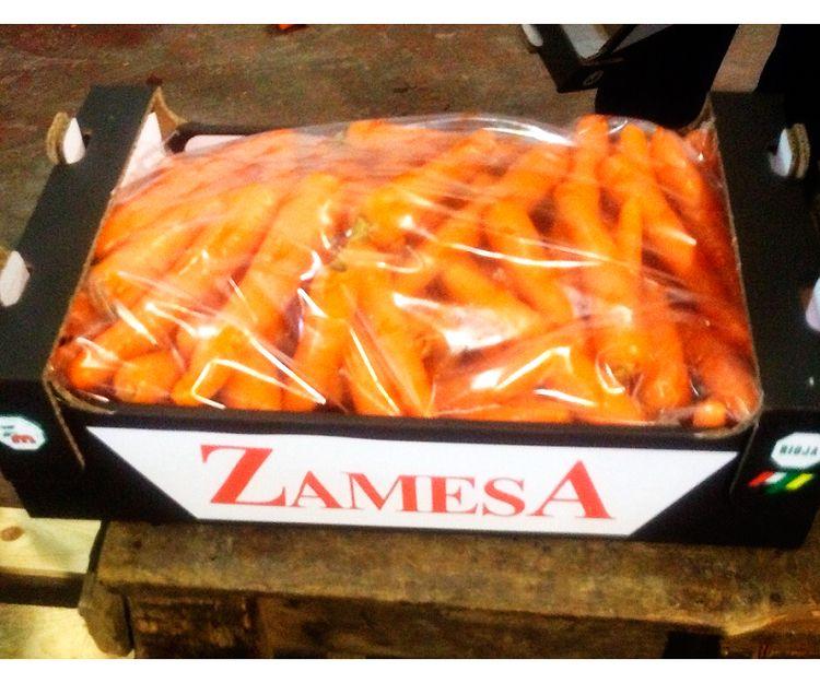 Zanahorias en caja