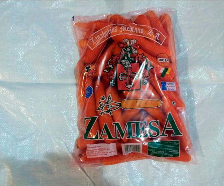 Zanahorias envasadas en bolsa