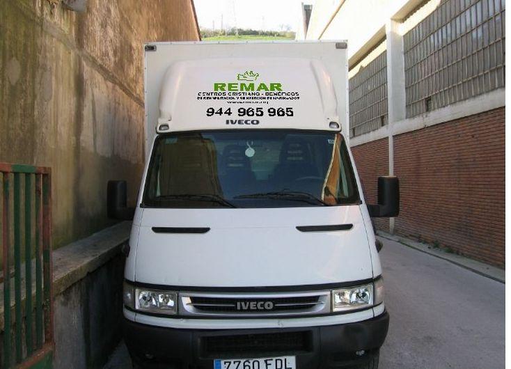 Recogida de muebles, ropa y juguetes en Bilbao