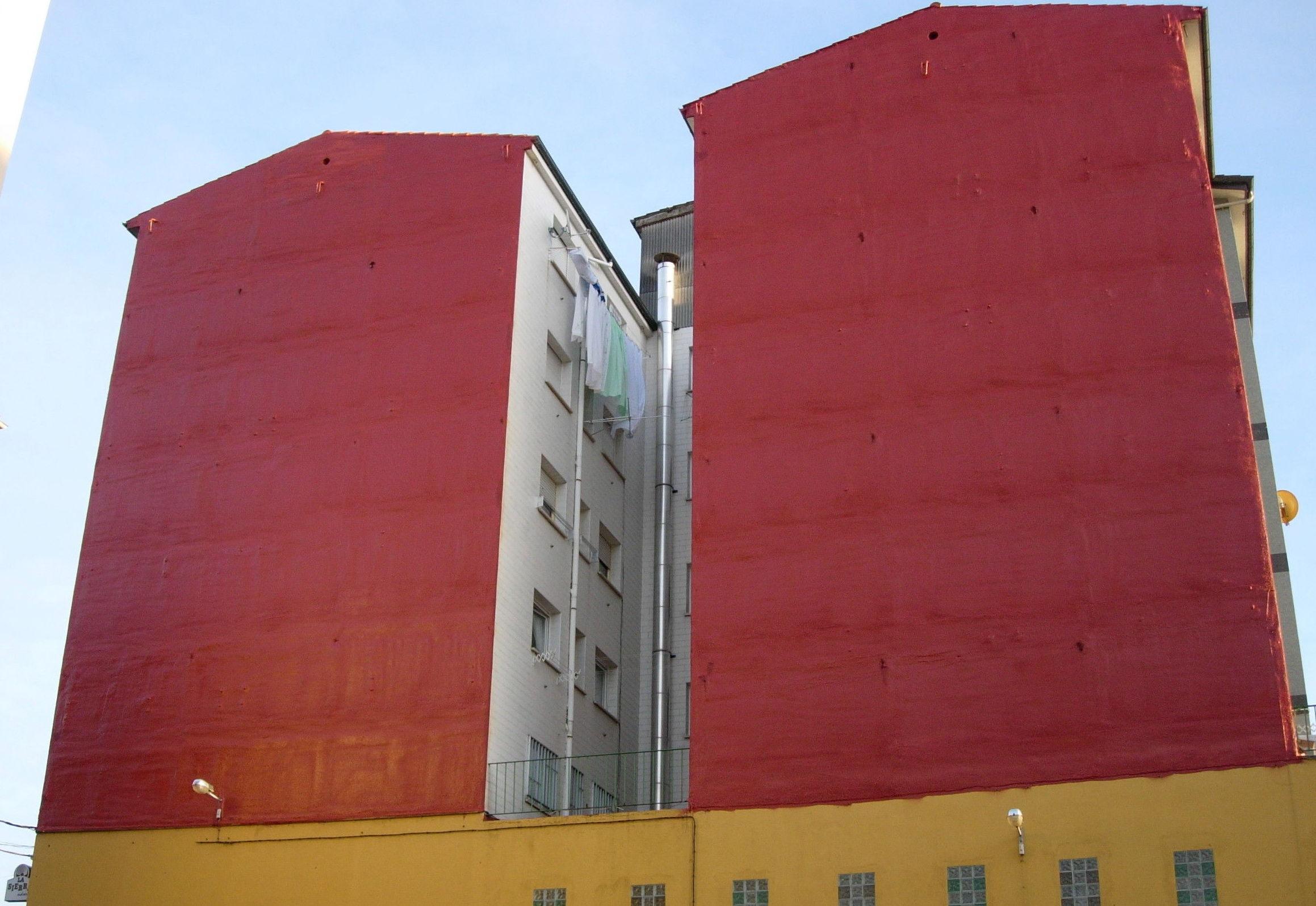 Aislamiento de fachadas con poliuretano proyectado protegido a los UVA