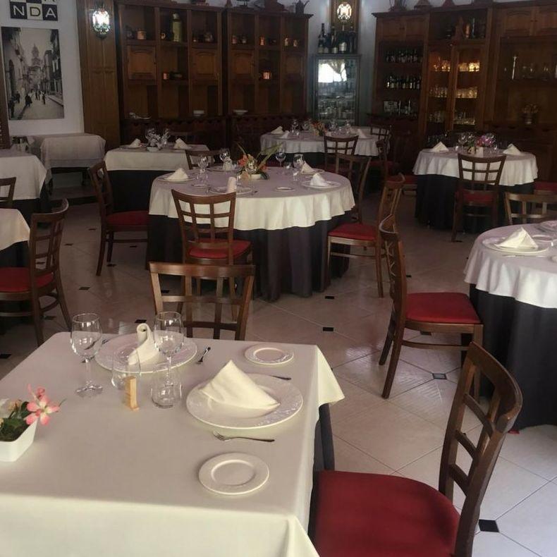 Mantelería a medida para la Escuala de Hostelería y Gastronomía Jacaranda
