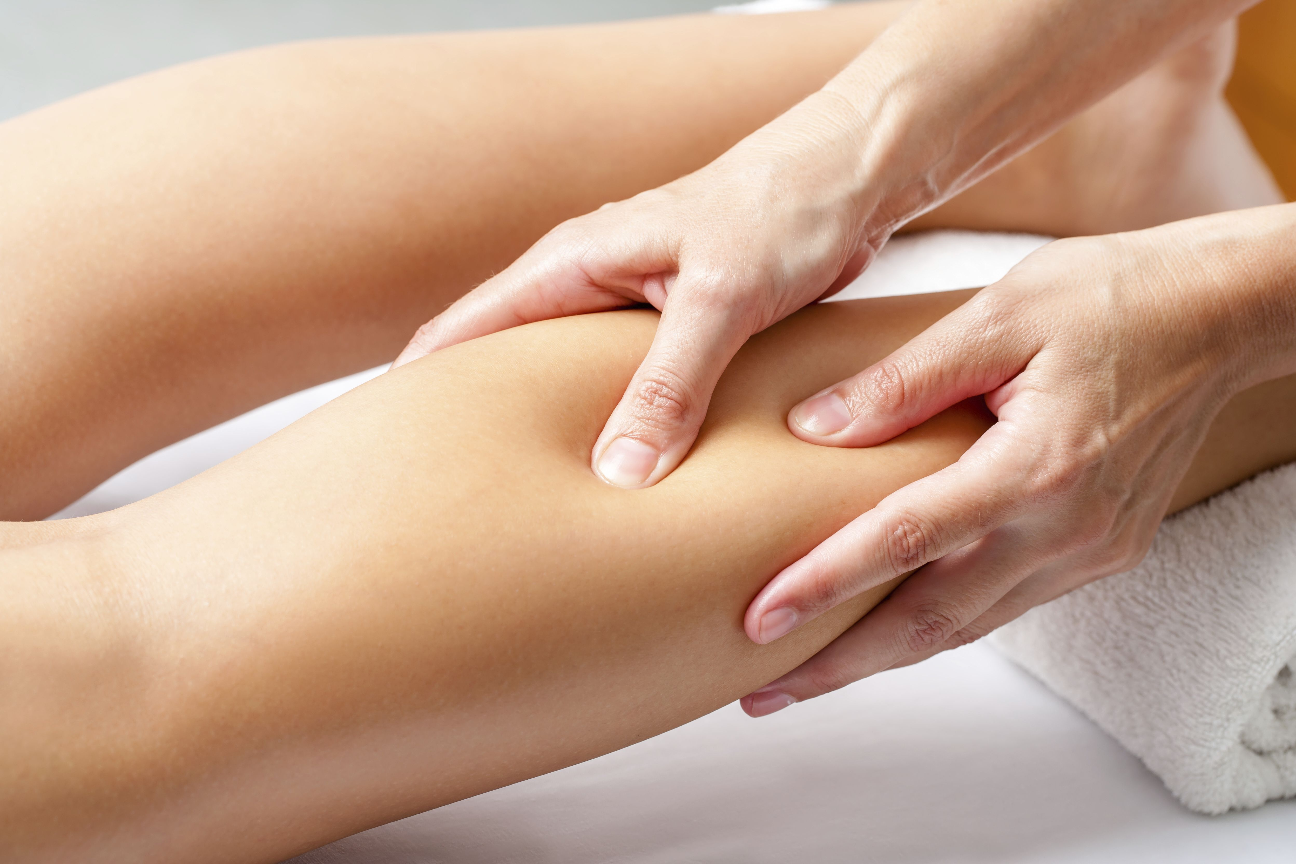 Manual lymphatic drainage: physiotherapy treatments de Centre of physacal therapy Fisiomar