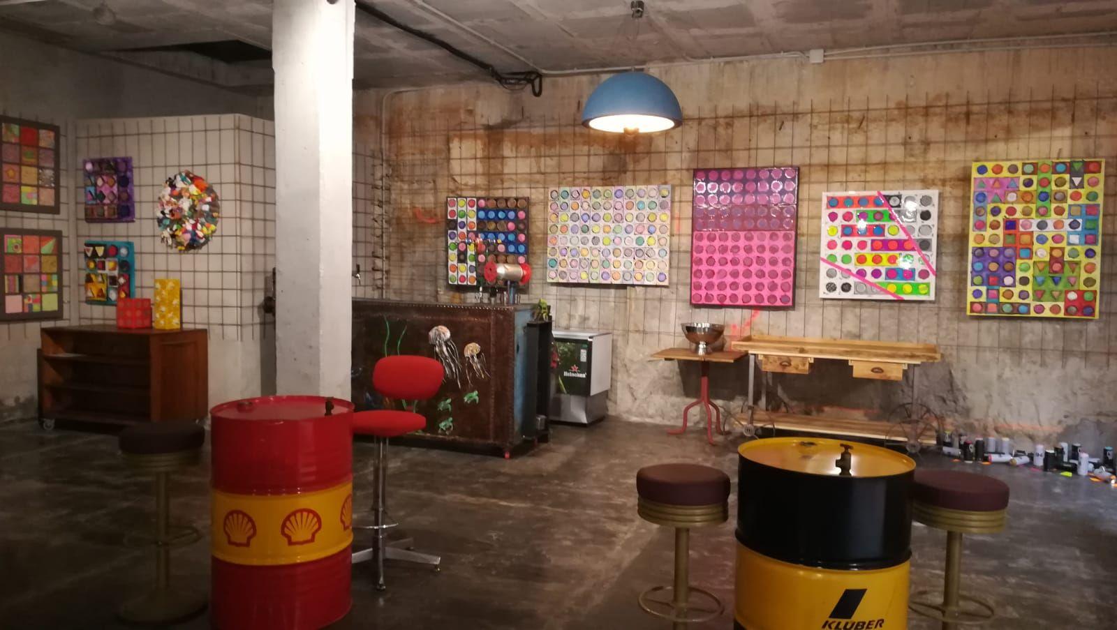 Foto 51 de Art gallery and exhibition hall en Sitges | L´Art i Café