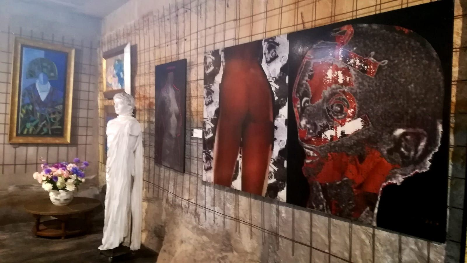Foto 73 de Art gallery and exhibition hall en Sitges | L´Art i Café