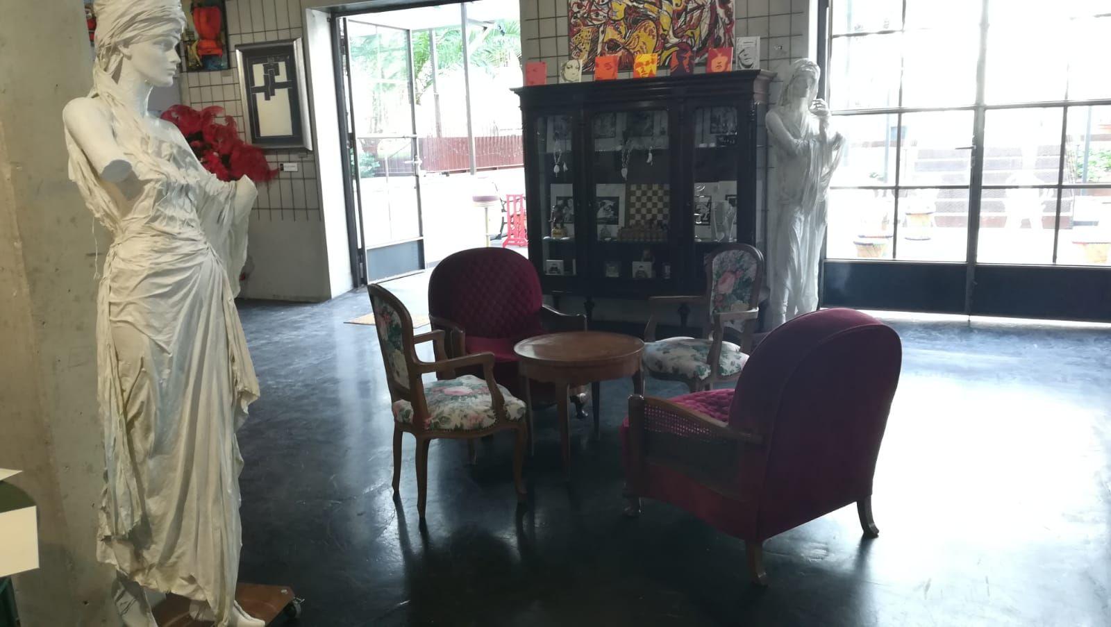 Foto 38 de Art gallery and exhibition hall en Sitges | L´Art i Café
