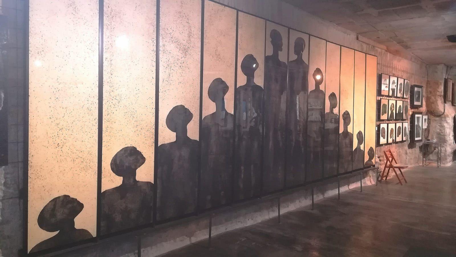 Foto 77 de Art gallery and exhibition hall en Sitges | L´Art i Café