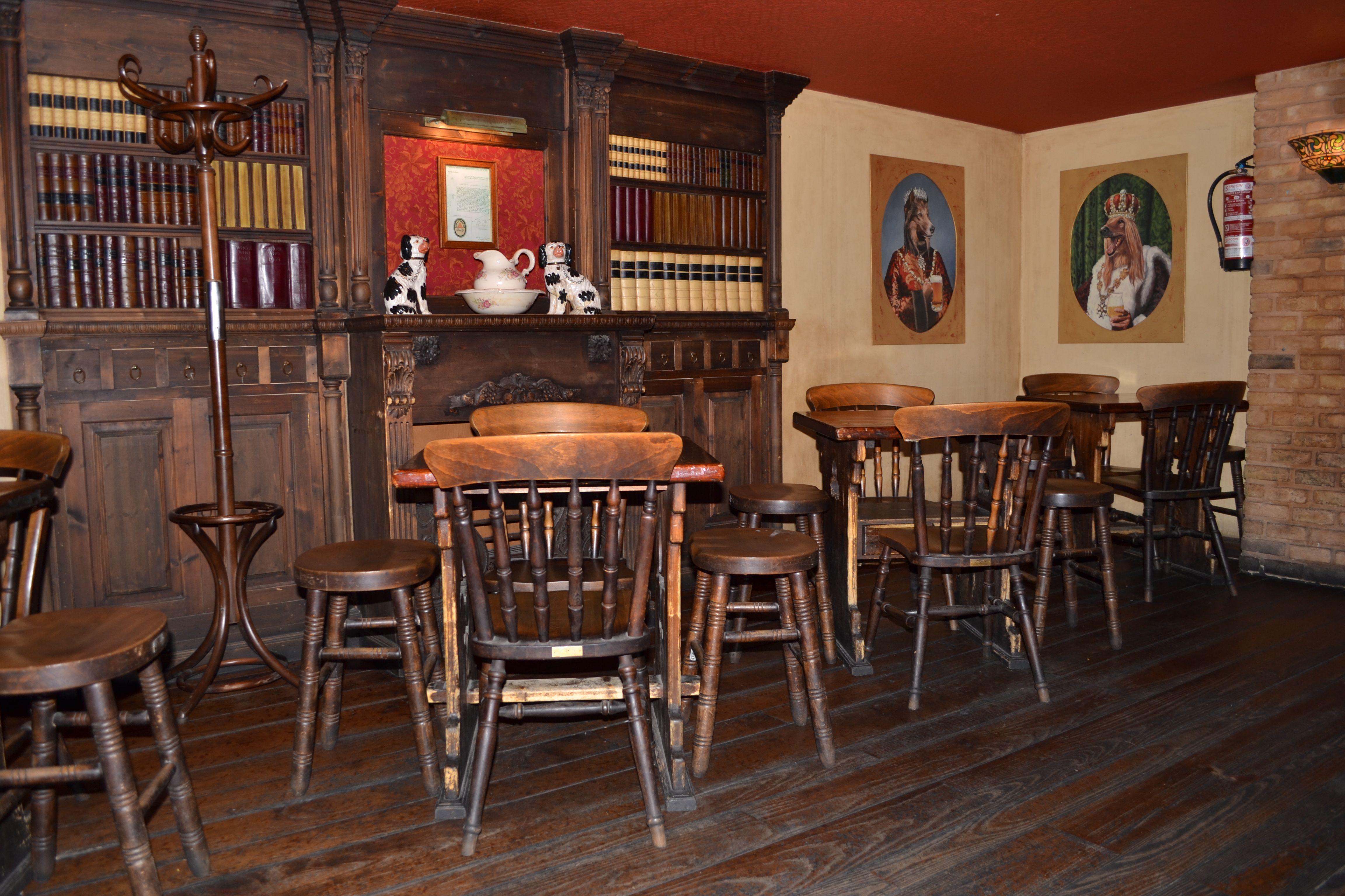 Bar de copas y terraza