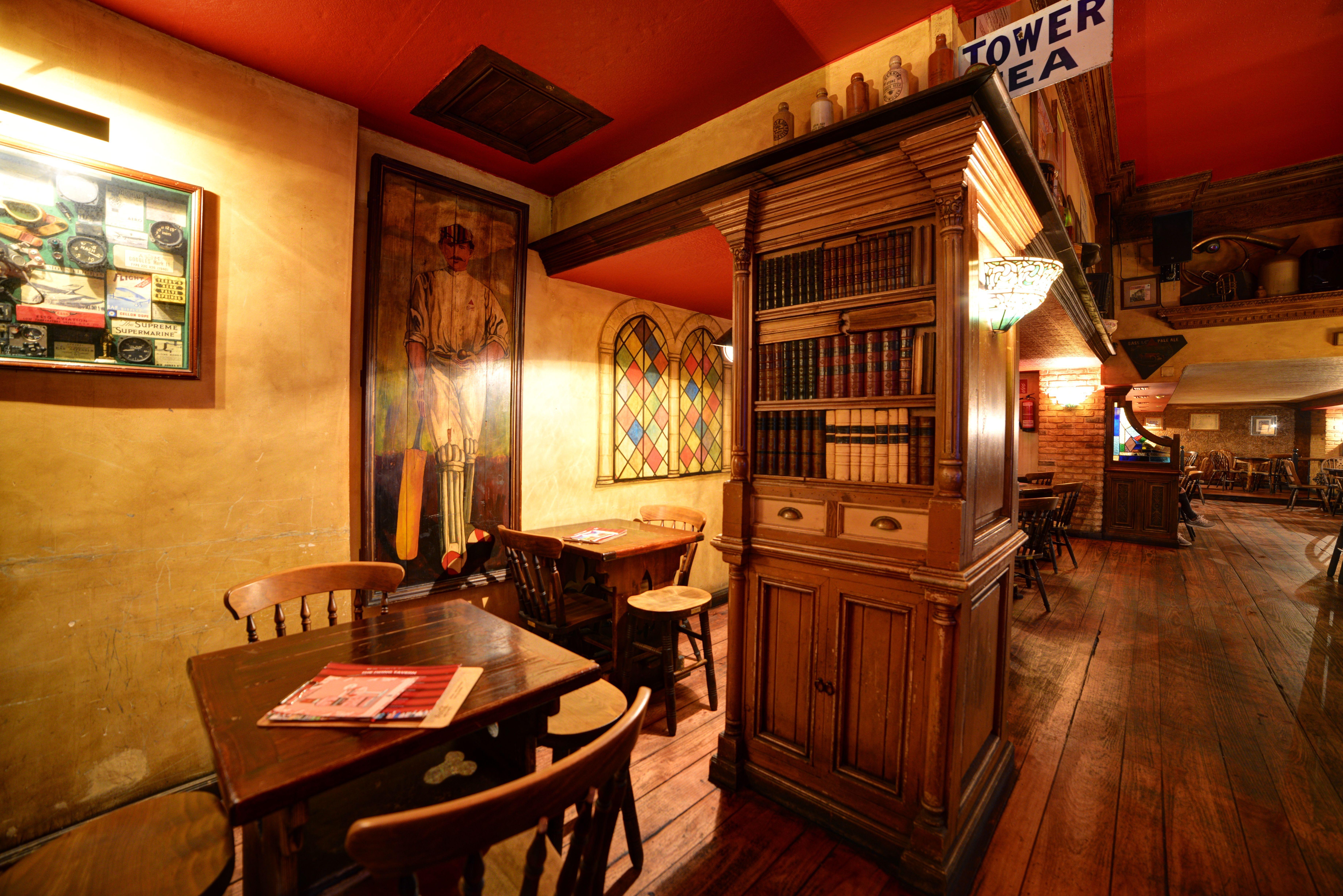 Foto 3 de Pubs y bares de copas en  | Swing Tavern