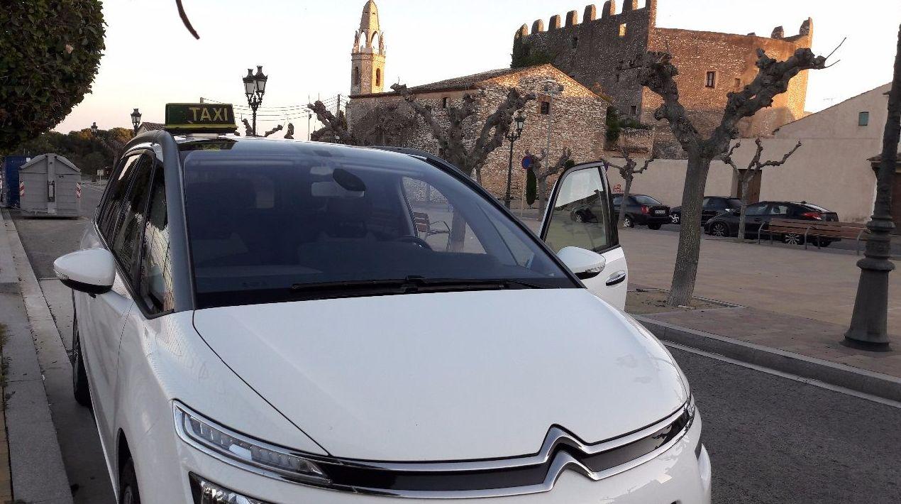 Seven seat taxi with maximum comfort in Creixell, Tarragona