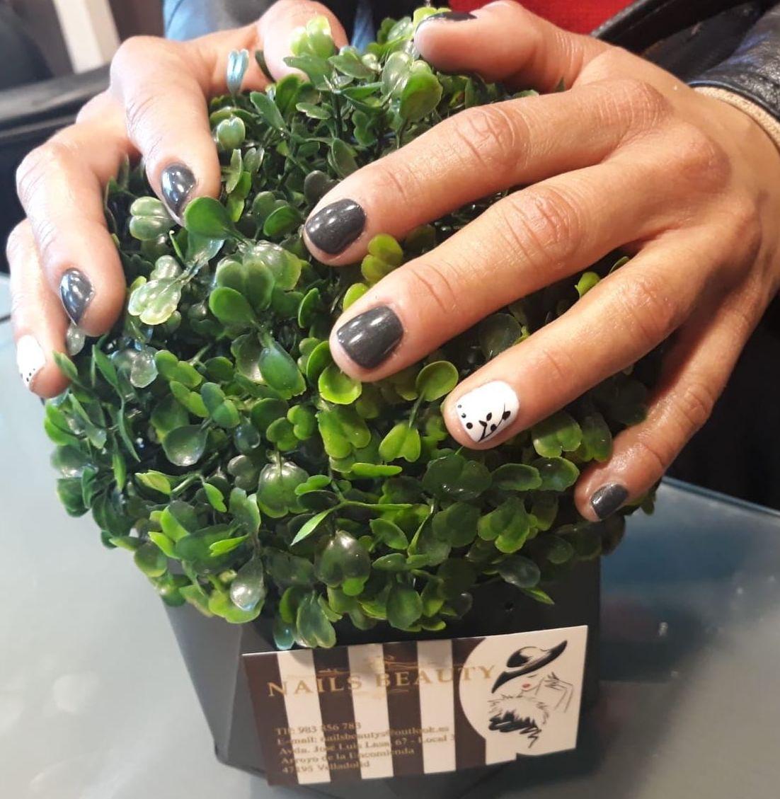Foto 71 de Uñas esculpidas y de porcelana en Arroyo de la Encomienda | Nails Beauty