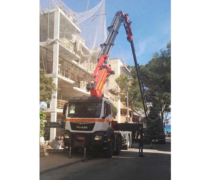 Camión grúa para la construcción