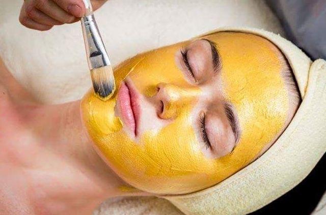 Tratamiento facial con oro: Tratamientos de Namaste Depilación con Hilo