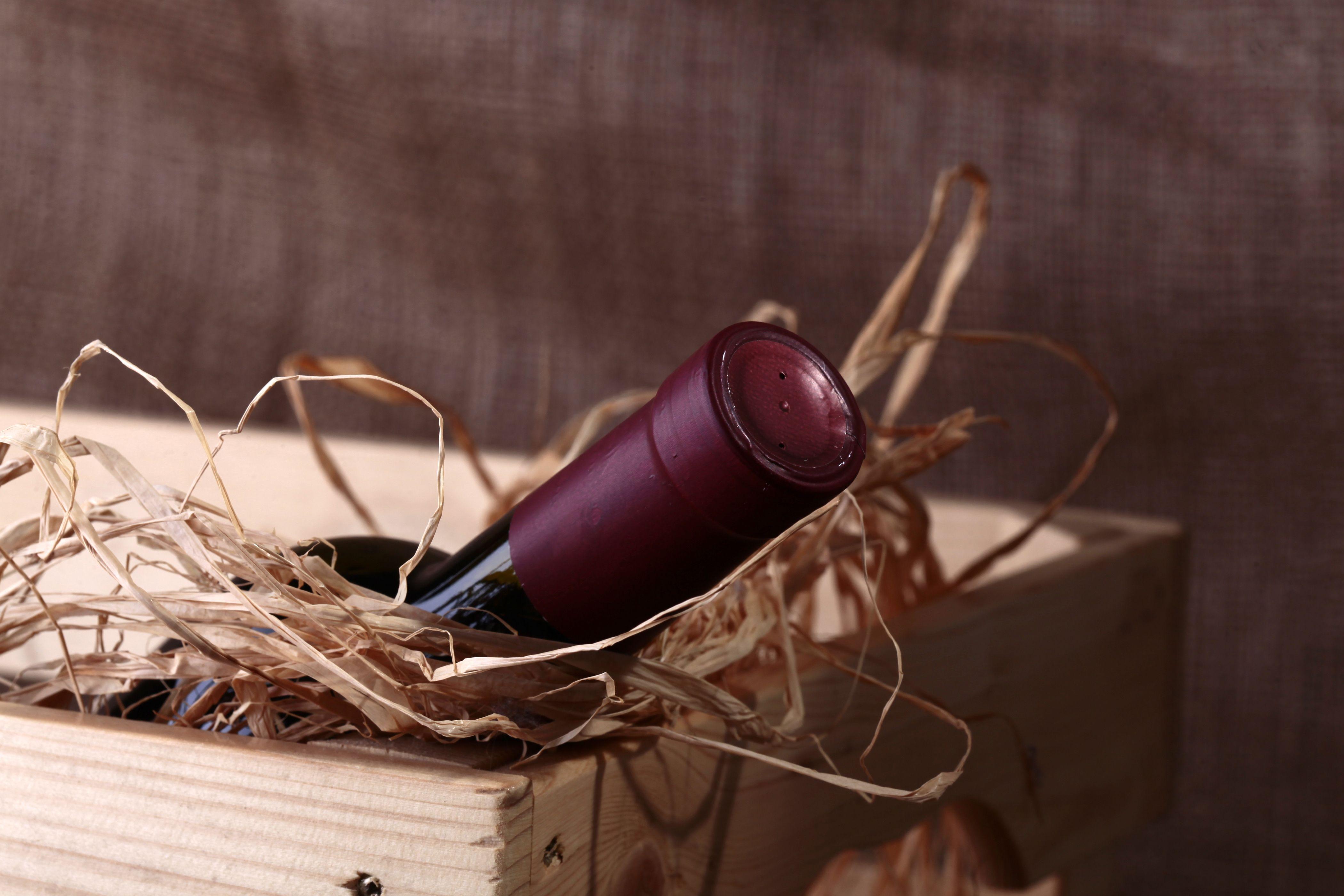 Encajados, enlotados y troquelado de cajas de vino en La Rioja