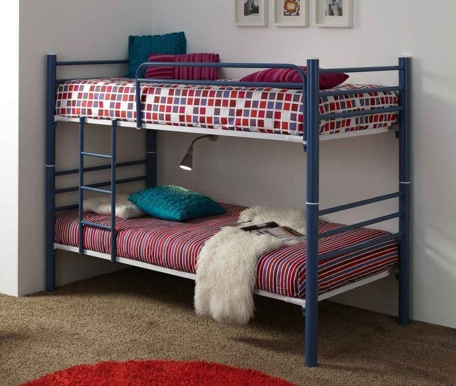 Litera Convertible en dos camas individuales.