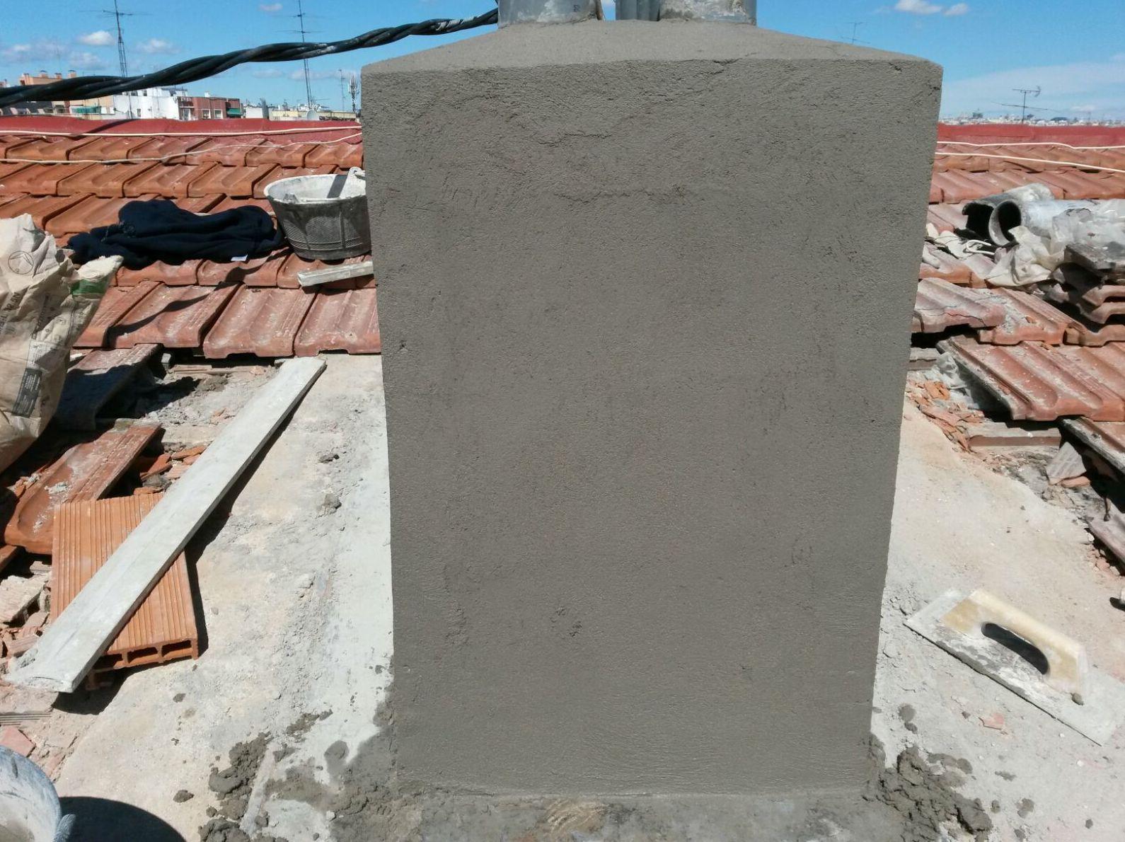 Demolición y reconstrucción de Caballetes y Chimenea  Calle Valle de Oro Nº 14