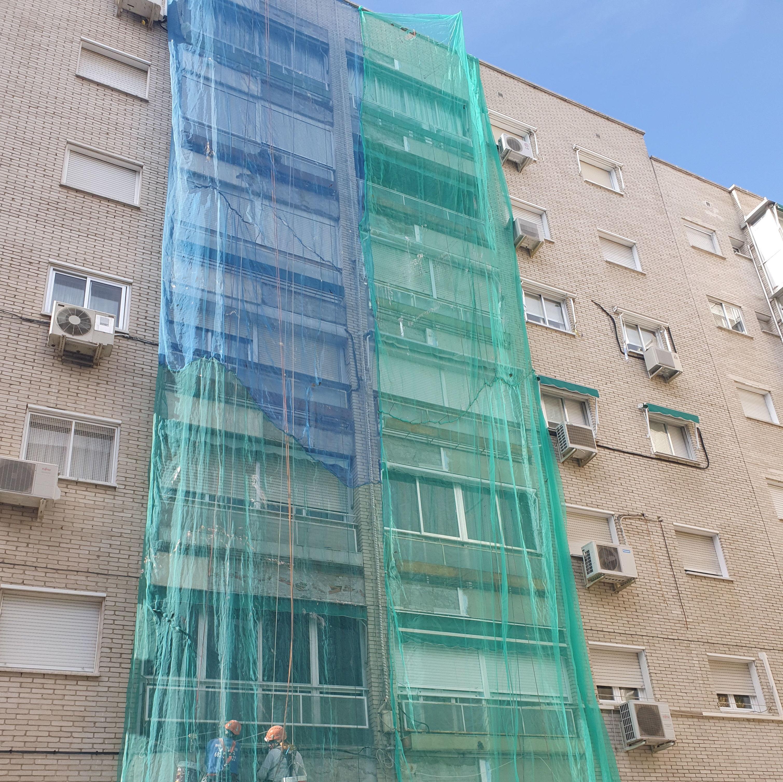 Foto 40 de Trabajos verticales en    Rehabilitaciones y Verticales Vera, S.L.