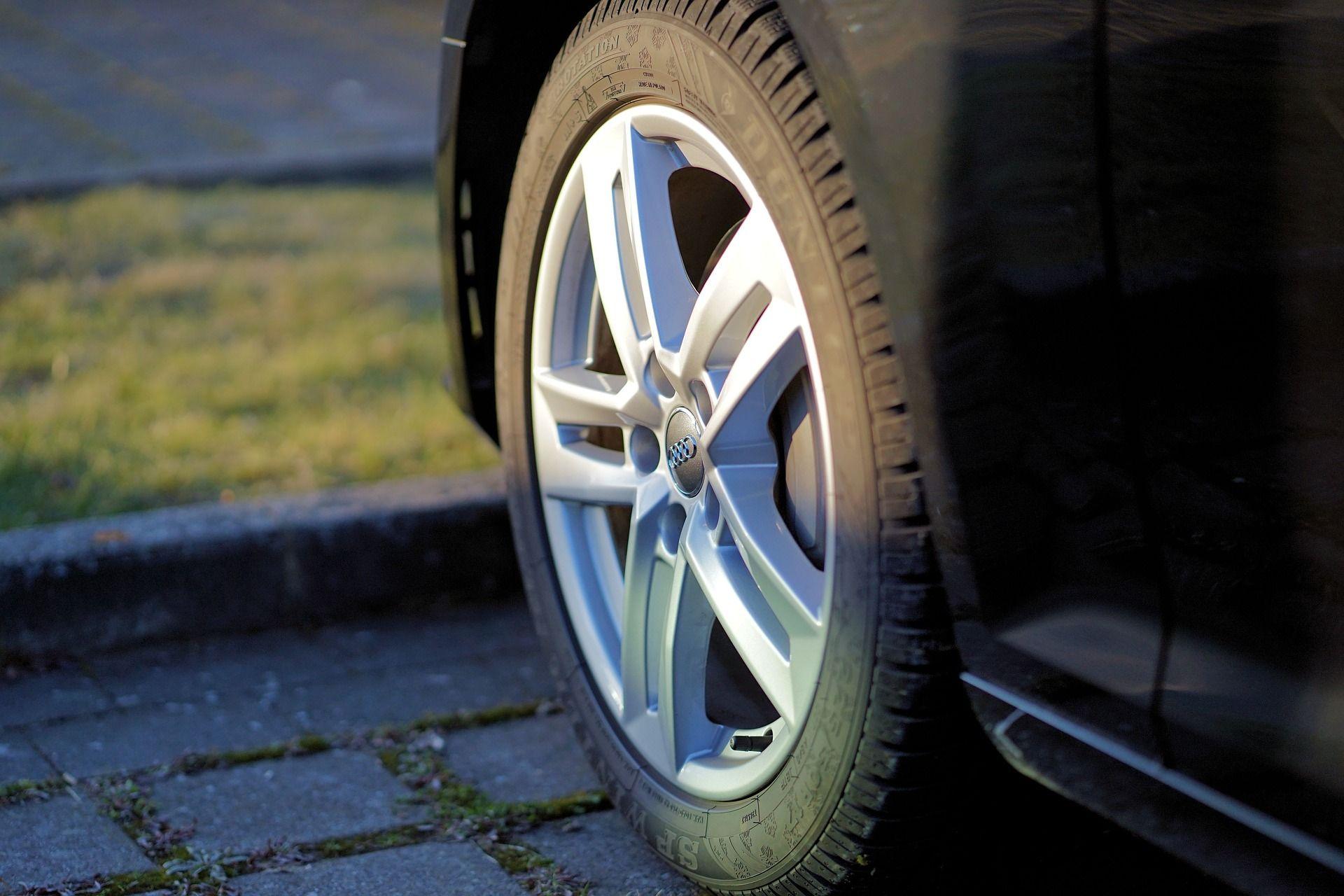 Neumáticos: Servicios  de Automóviles La Redonda, C. B.