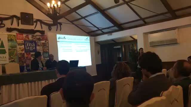 Ponencia de nuestra Ingeniera Agrónoma en la III Jornada Técnica del Almendro }}