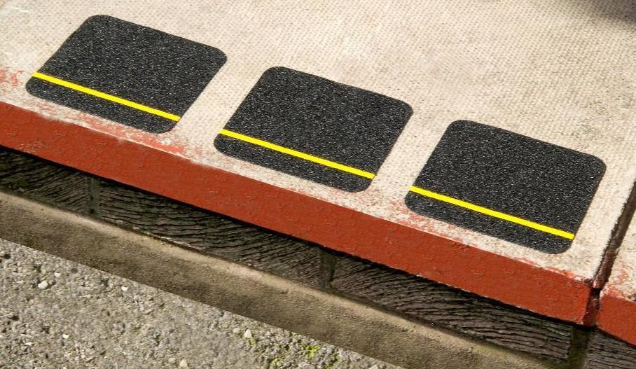 Foto 11 de Rotulación y señalización en Bermeo | Segurilight Señalización