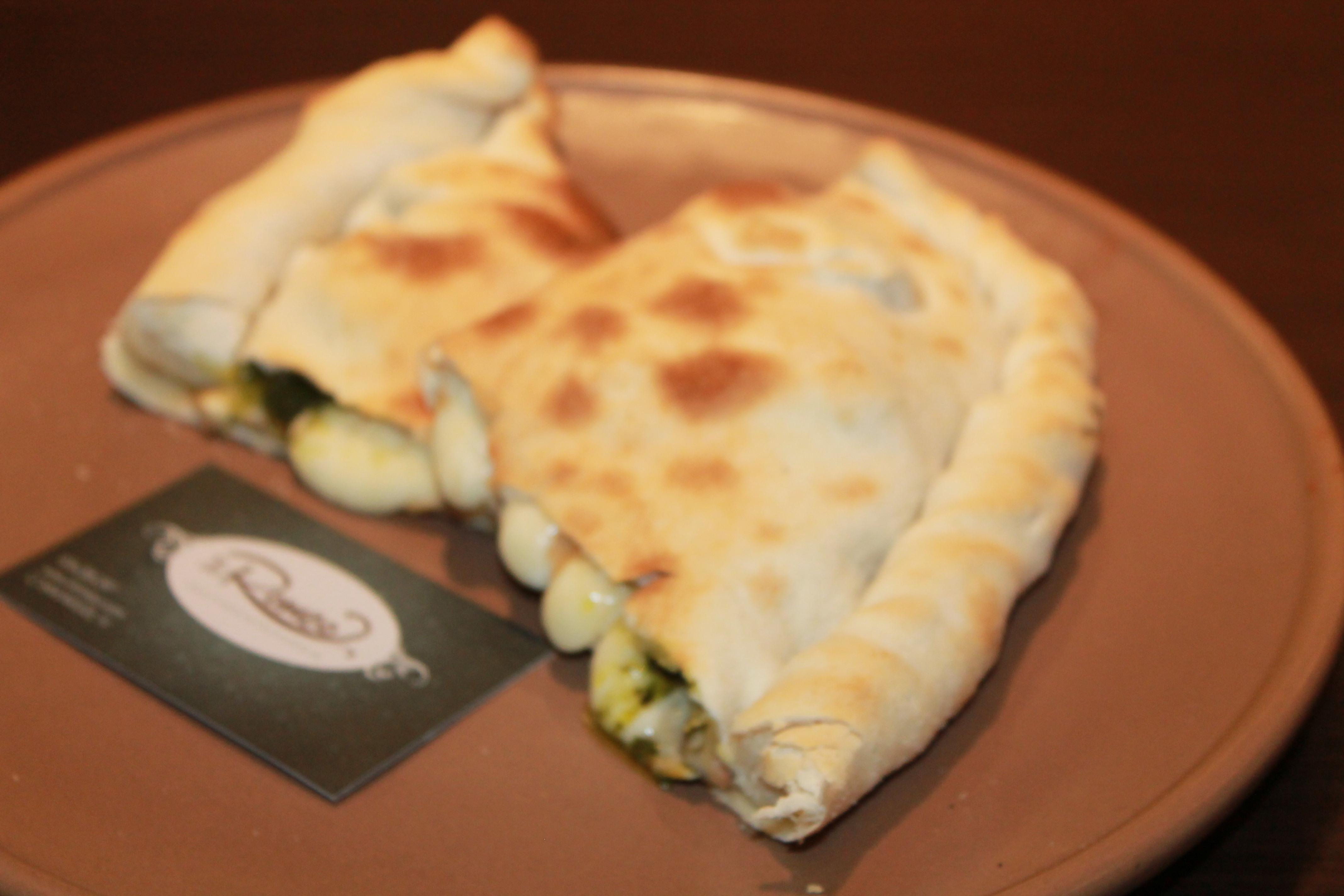 Calzones: Nuestros platos  de Il Romeo Trattoria Pizzería