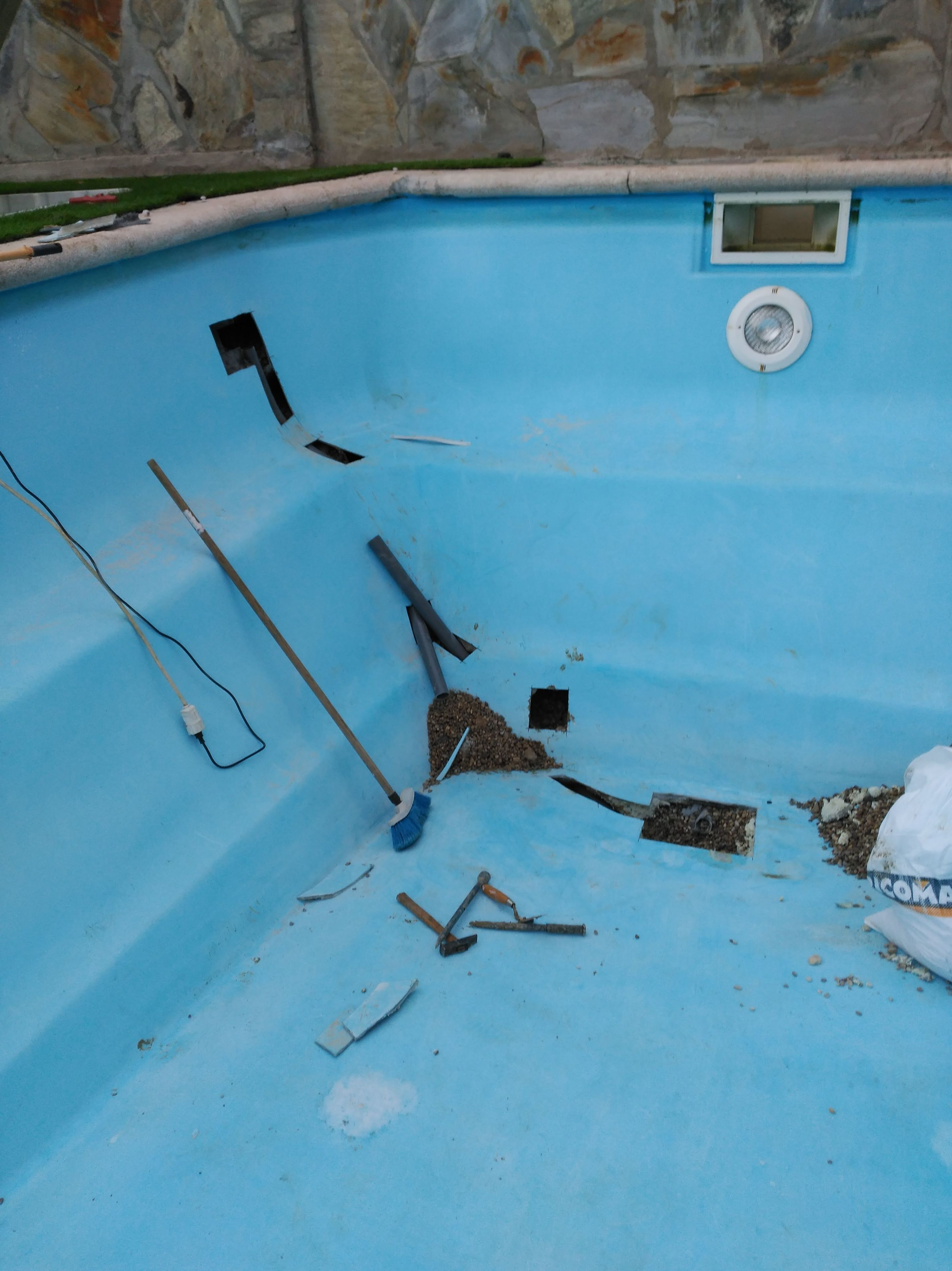 Reparación de piscinas de fibra