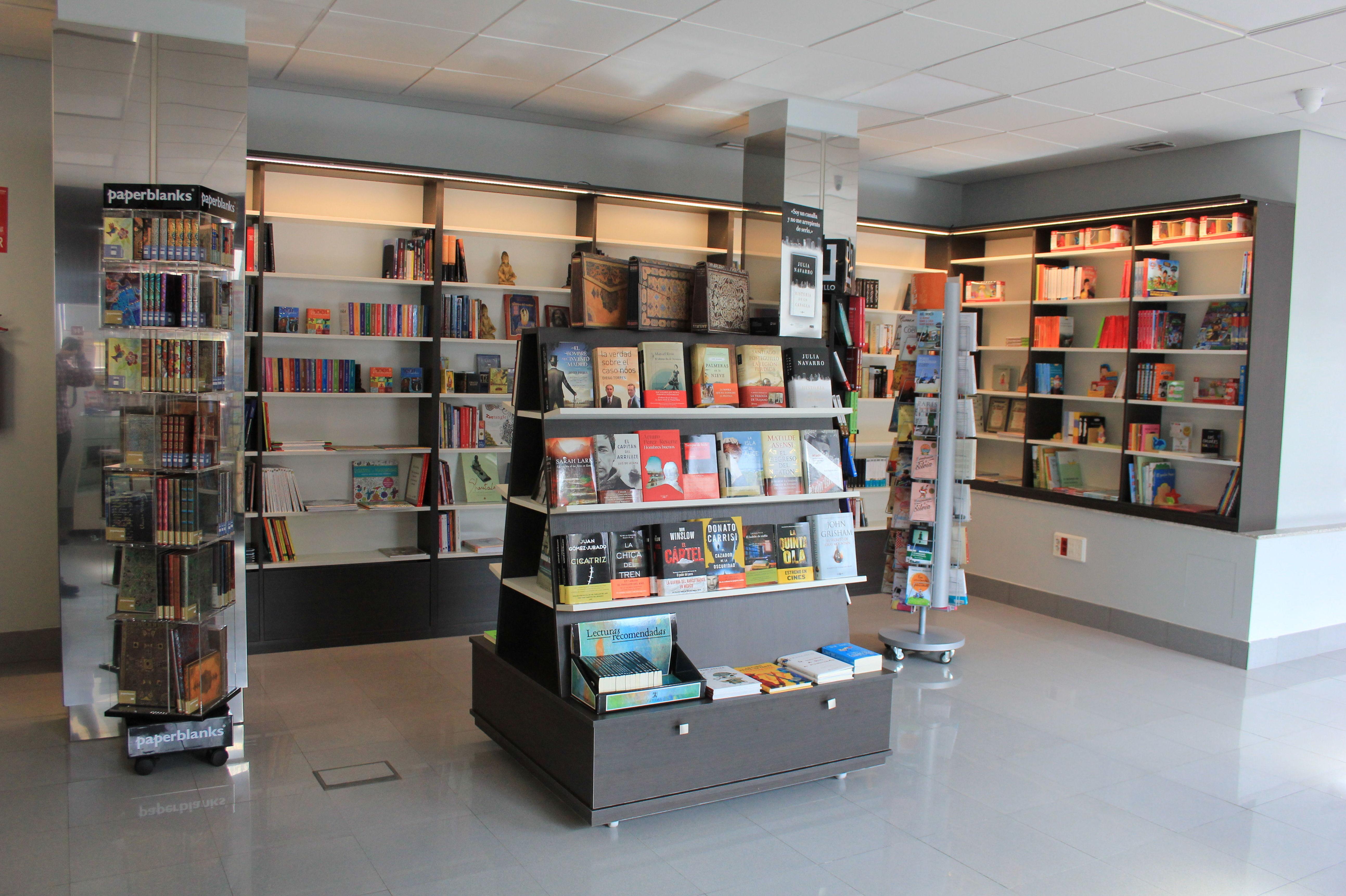Instalación de estanterías para librerías