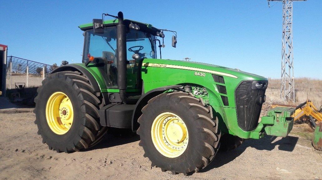 John Deere 843: Nuestros tractores de Tractores José Carlos Martín