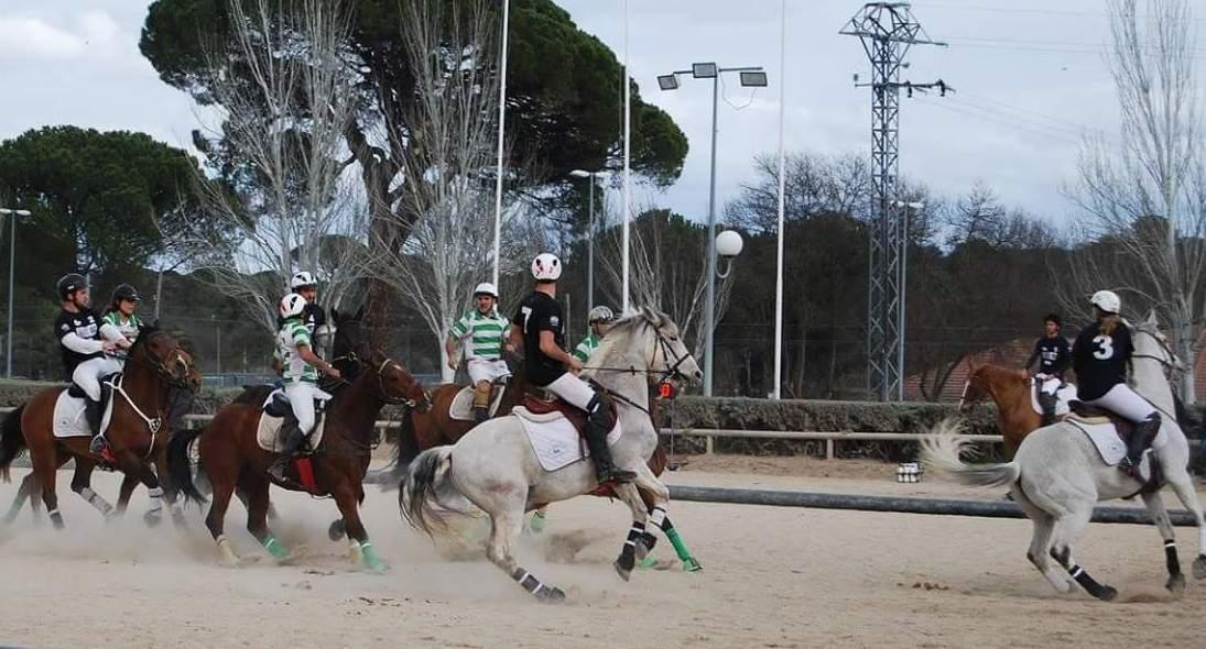 Comienza la nueva temporada de horseball en Las Nieves.