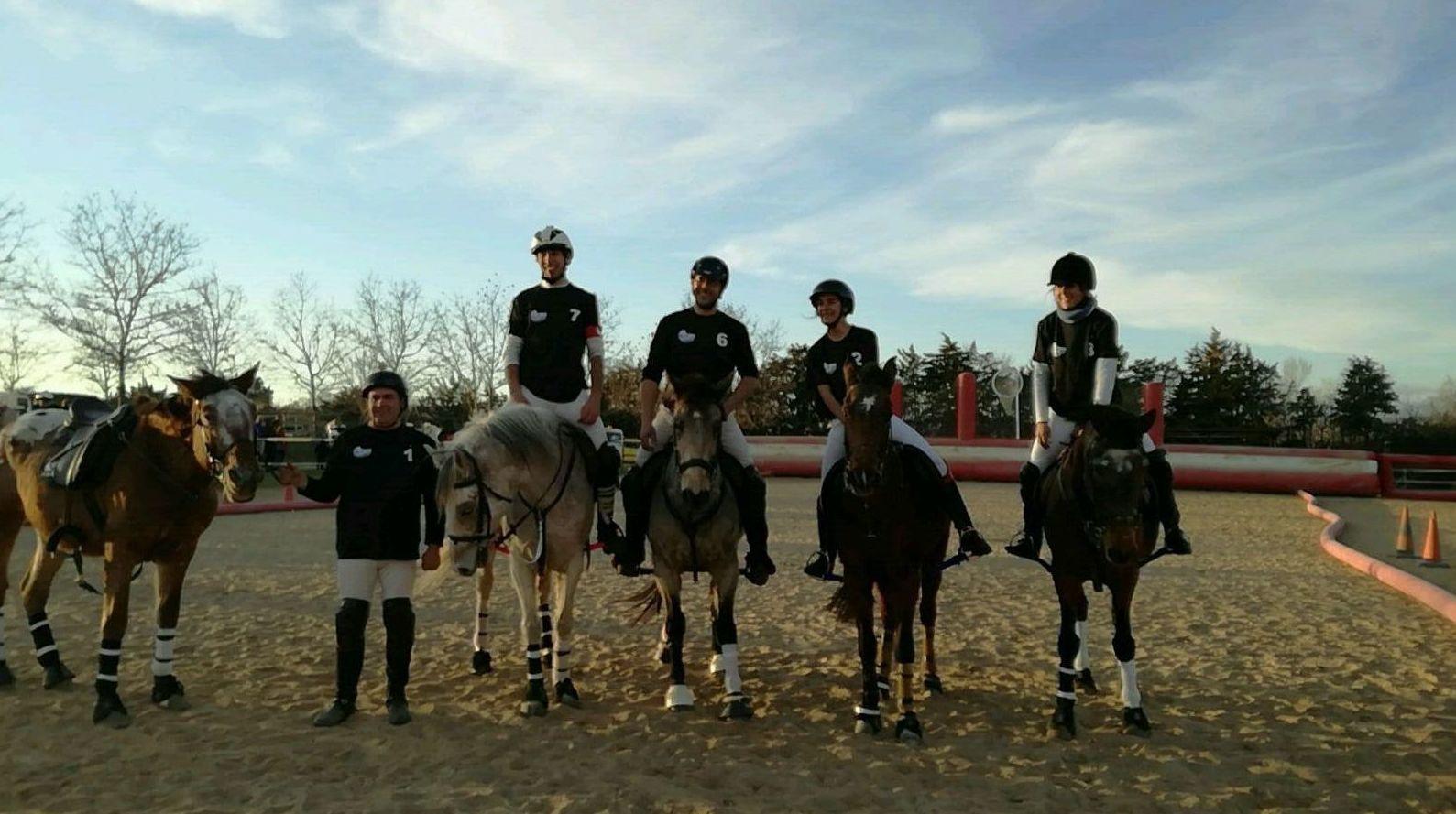 La perla negra horseball team resurge tras aguas turbulentas.