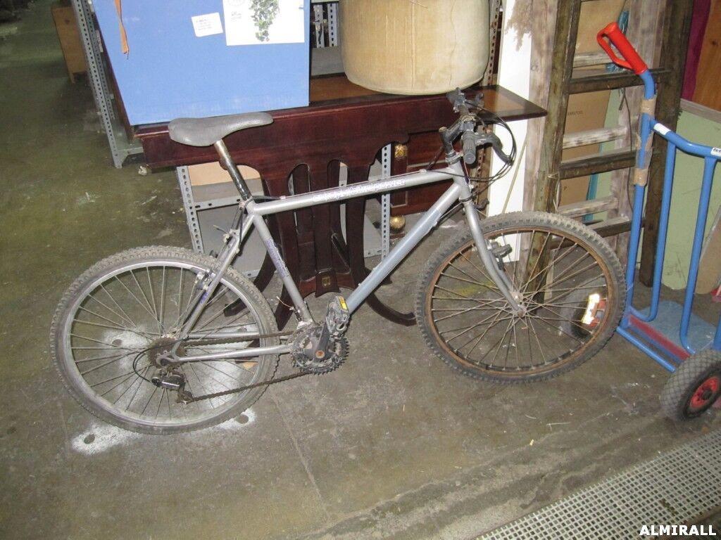 Bicicletas: Servicios de Almirall Llonguer de Mobles, S.L.