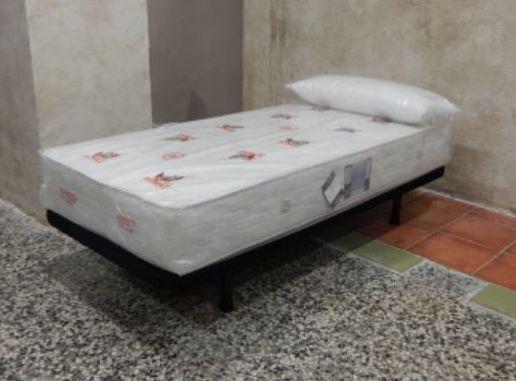 Base tapizada en tejido malla 3d especial aireación
