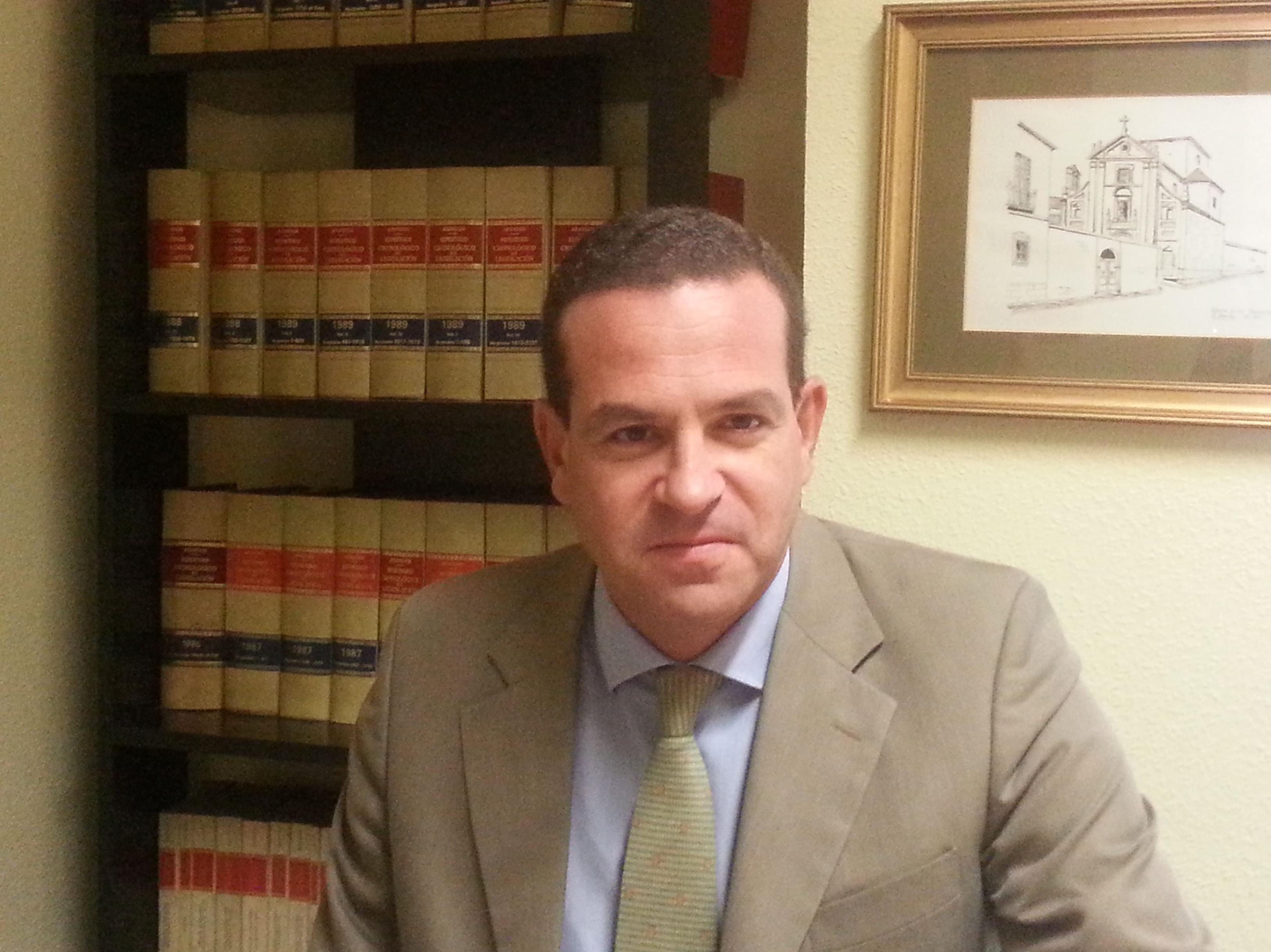 Pablo Barba Gutiérrez. Abogado, socio. Licenciado en Derecho por la Universidad San Pablo C.E.U. Titulado superior en derecho laboral y Seguridad Social por el C.E.F.